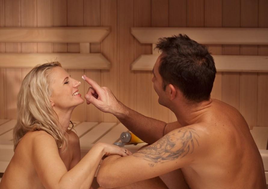 Wskażemy, jak uzżywać kosmetyków do saunowania...